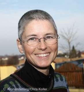 Sabine Schroll
